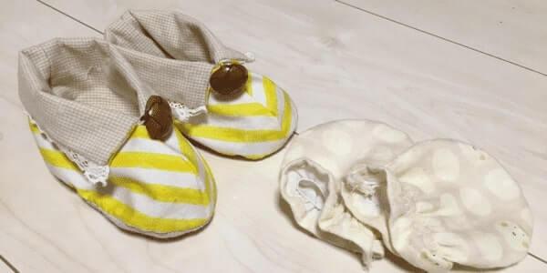 流産した子とまた赤ちゃんが来てくれるように願って作った靴とミトン